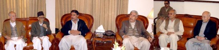 hazara-elite-meets-governor.jpg
