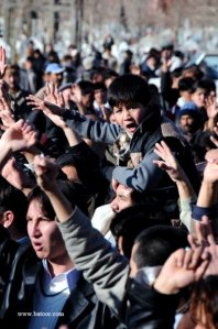 Mourners in Hazara Graveyard chanting against the Govt.