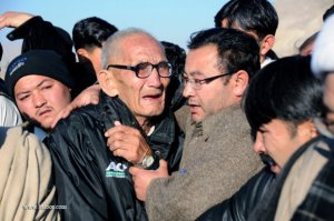 An old man mourning Yousufi's martyrdom.
